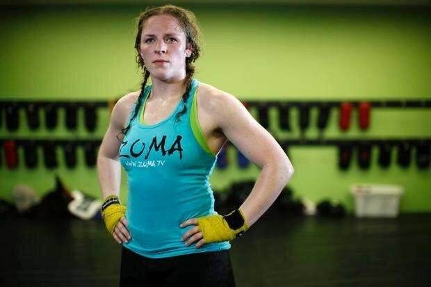 10 лучших женщин бойцов смешанных боевых искусств: Женщины в Абсолютном бойцовском чемпионате
