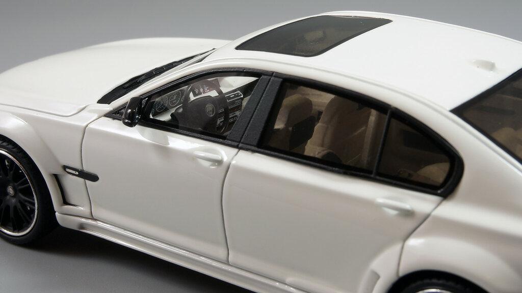 BMW_CLR_750_09.jpg