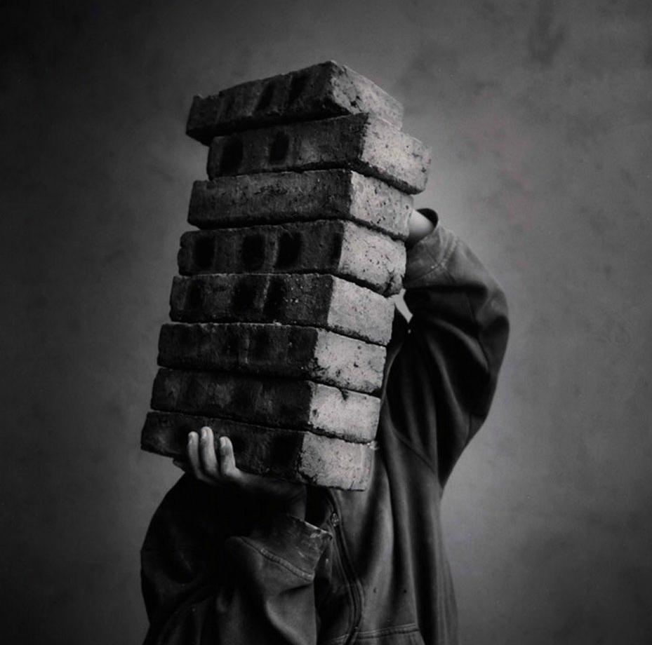 15. Los ladrillos. (Russell Monk)