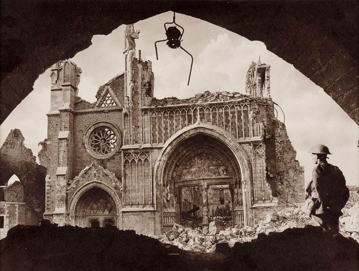 Руины Клот холла