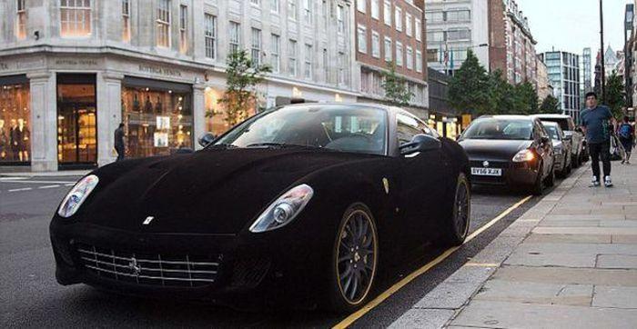 Бархатная Ferrari