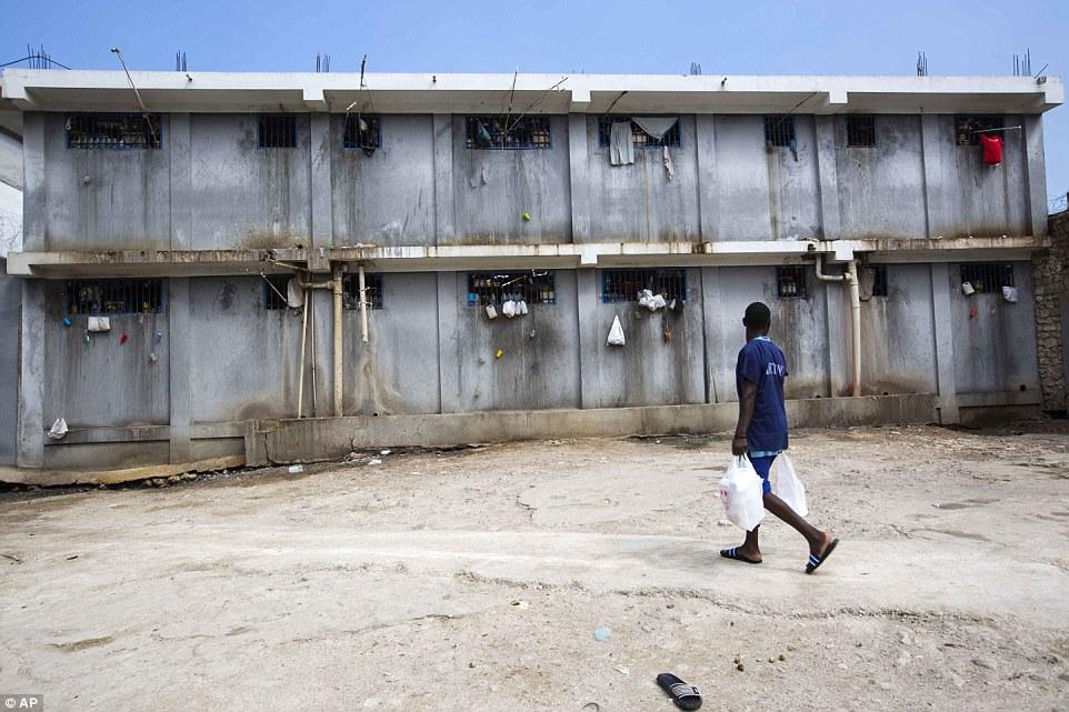 Уголовно-исполнительная система Гаити — самая перегруженная в мире. В среднем заключенным приходится