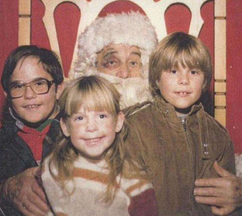 21. Ночь накануне Рождества Санта-Клаусу явно удалась.