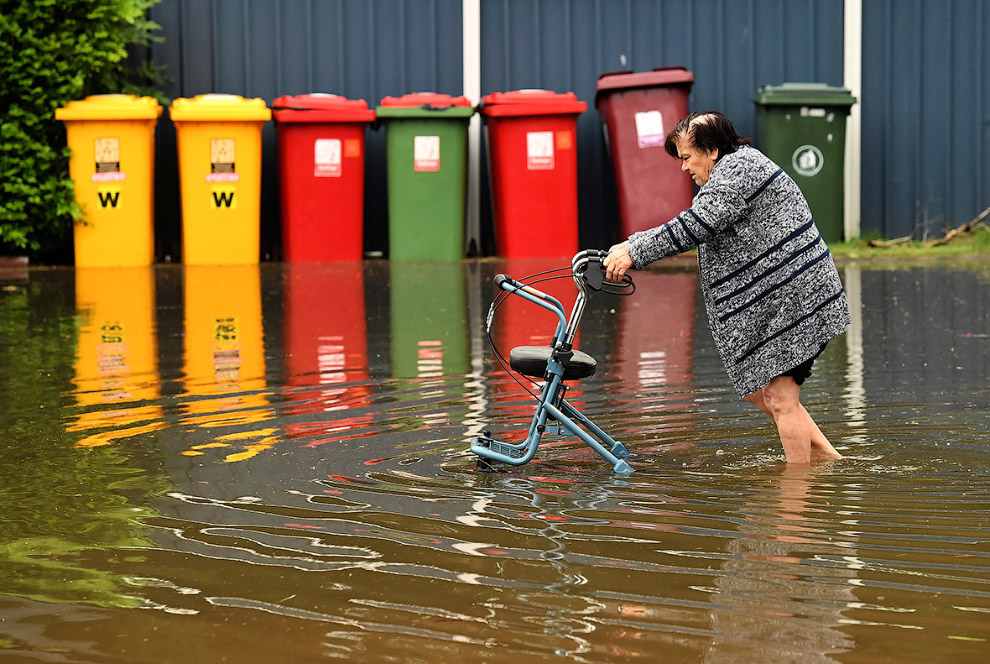 7. На улицах кругом вода. (Фото Dave Hunt):