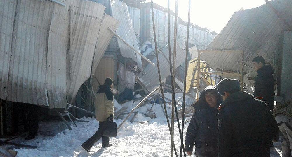 Обрушение нарынке вБишкеке: двое изпятерых пострадавших— казахстанцы