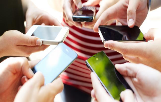 Фейсбук стал наиболее популярным мобильным приложением вследующем году