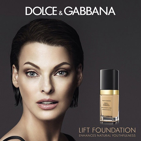 Last year in September the Italian fashion and beauty house has revealed Lift Foundation, also front