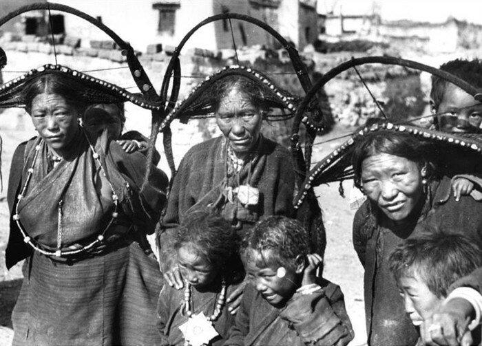 women1938.jpg