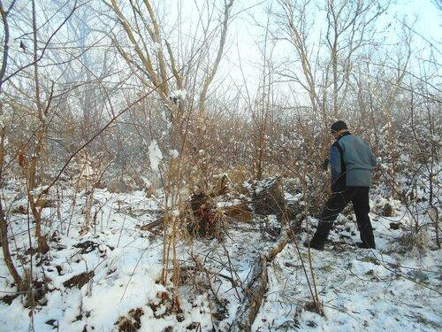 В условиях походных, на привале, с велосипедом, снег ... DSCN0286.JPG