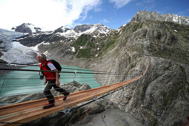 Подвесной мост Трифт. Швейцария