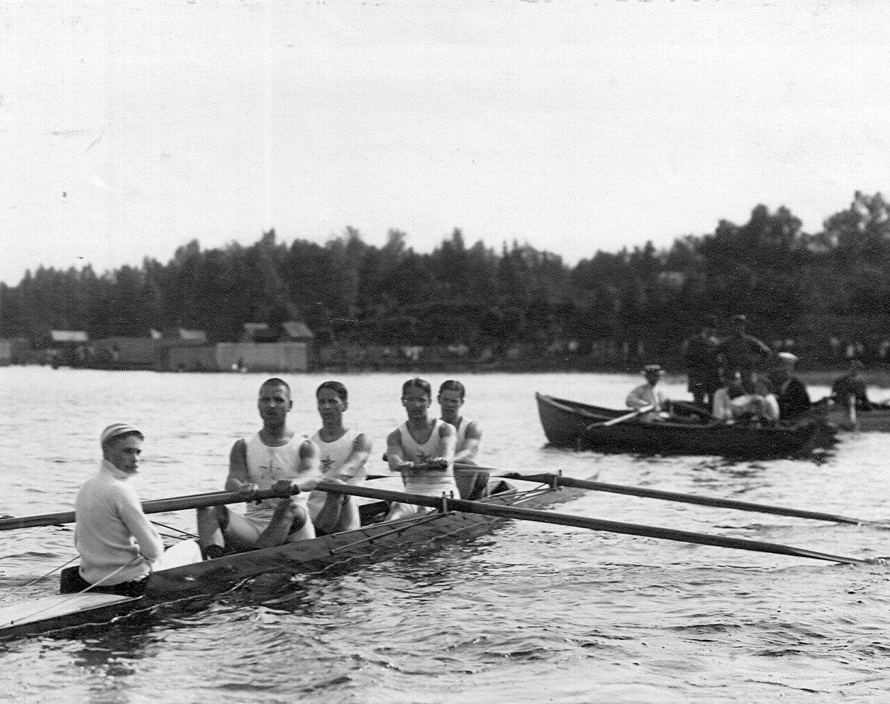 42. Лодка во время соревнований