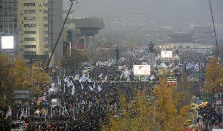 Протесты в Южной Корее с требованием отставки президента