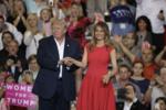 Дональд Трамп и Меланья Трамп 18.02.17.png