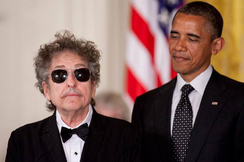 Боб Дилан проигнорирует встречу нобелевских лауреатов с Бараком Обамой