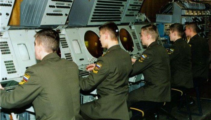 Шойгу Россия не будет участвовать в гонке вооружений ставка на личный состав