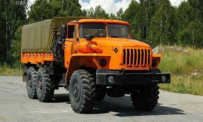 Таджик угнал утюменца грузовой автомобиль , чтобы съездить завыпивкой