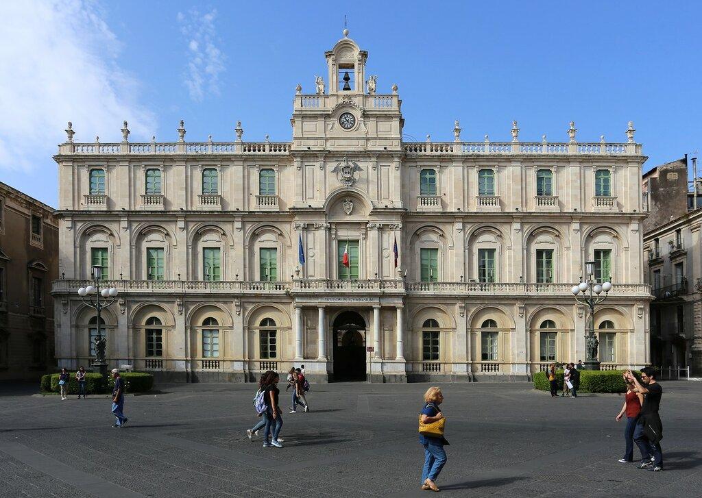 Катания. Университский дворец (Palazzo dell'Università)