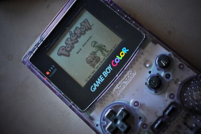 1. Game Boy Color Эту портативную приставку, в которую многие из нас играли пару десятилетий назад,