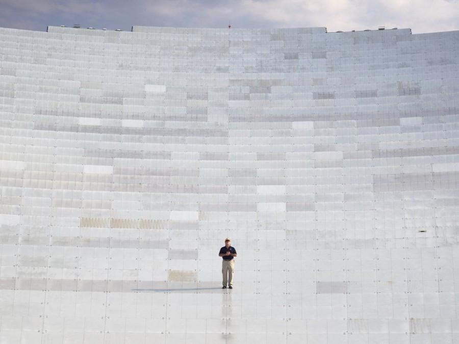 1. Телескоп занимает площадь в 9300 кв.м, а по высоте превышает статую Свободы. Зона молчания,