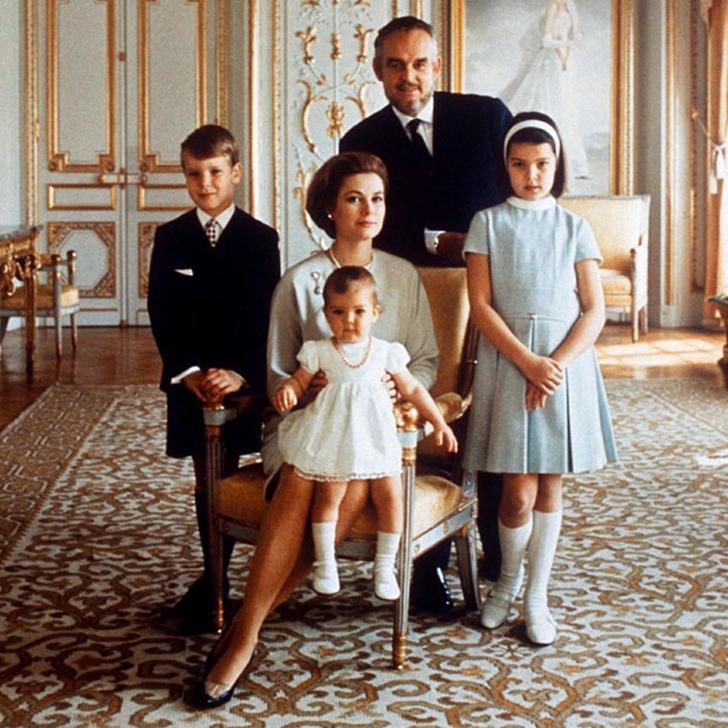 1969 год. Семейный портрет, сделанный во дворце в Монако.