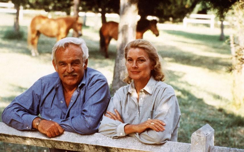 1979 год. Ренье и его жена Грейс отдыхают в Roc Agel, летней резиденции около Монако.