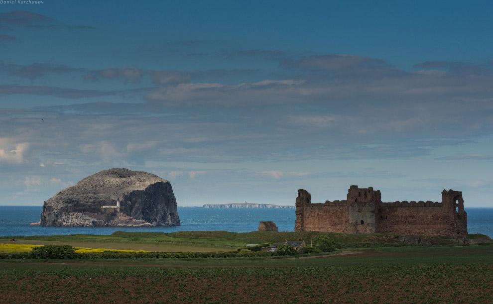 Кстати, в Шотландии есть проблема для фотографов: замки закрываются в определенное время — прос