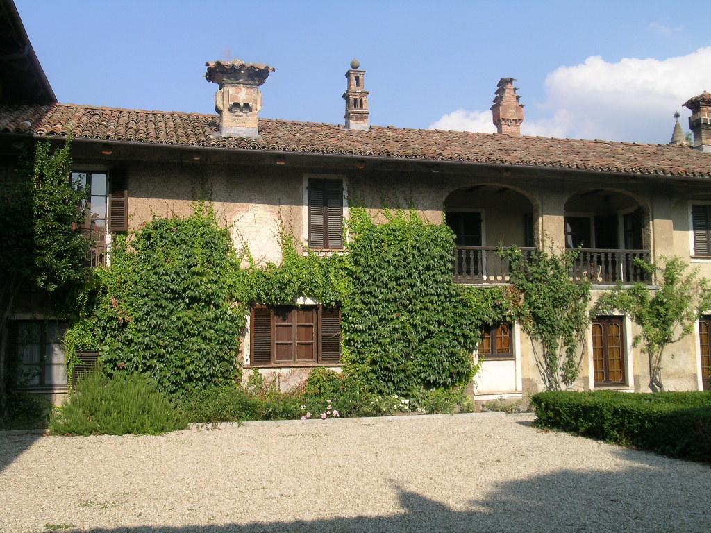 Старый жилой дом в Италии.