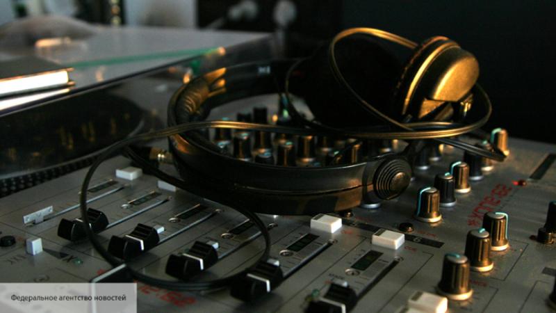 Звукозаписывающие студии требуют от социальная сеть Facebook защиты прав автора