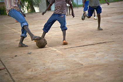 Футболист вчемпионате Руанды наколдовал гол— изумительная Африка