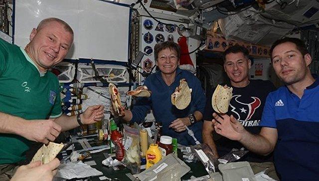 Русский космонавт продемонстрировал быт наМКС