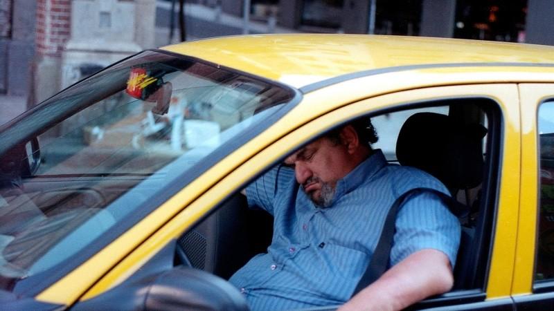 Автошколы предлагают сделать для начинающих водителей временные права на2 года