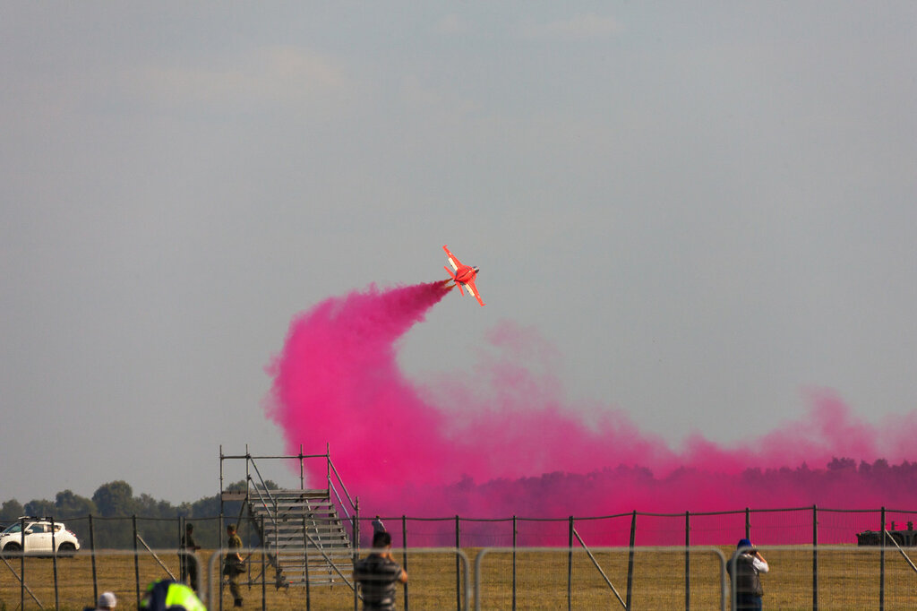 Як-130 взлет с дымами на МАКСе. Точка 1