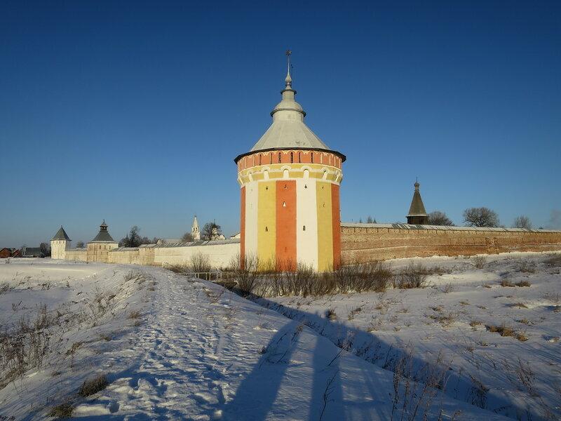 Спасо-Прилуцкий монастырь. Вологодская башня и фрагменты стен