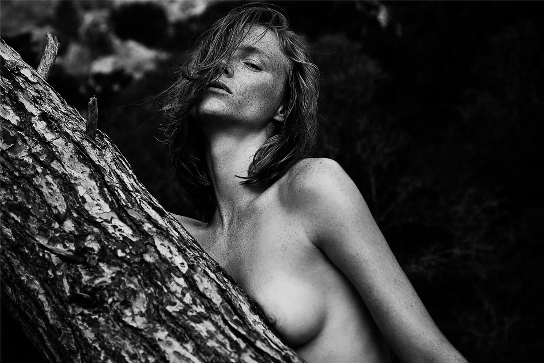 Обнаженные девушки на пляжах Ибицы / Ibiza Nudes by Diane Betties - Ilona Swagemakers