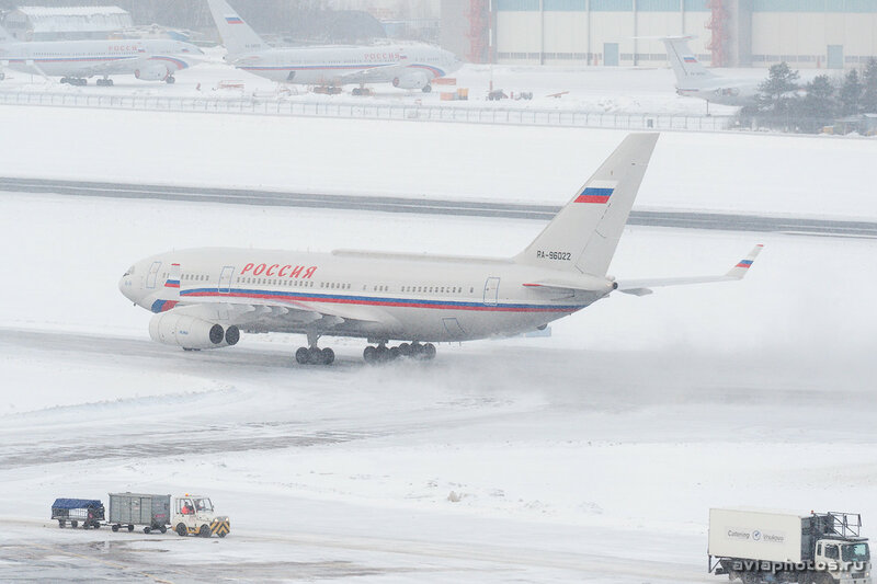 Ильюшин Ил-96-300ПУ (RA-96022) Россия 085_D707033