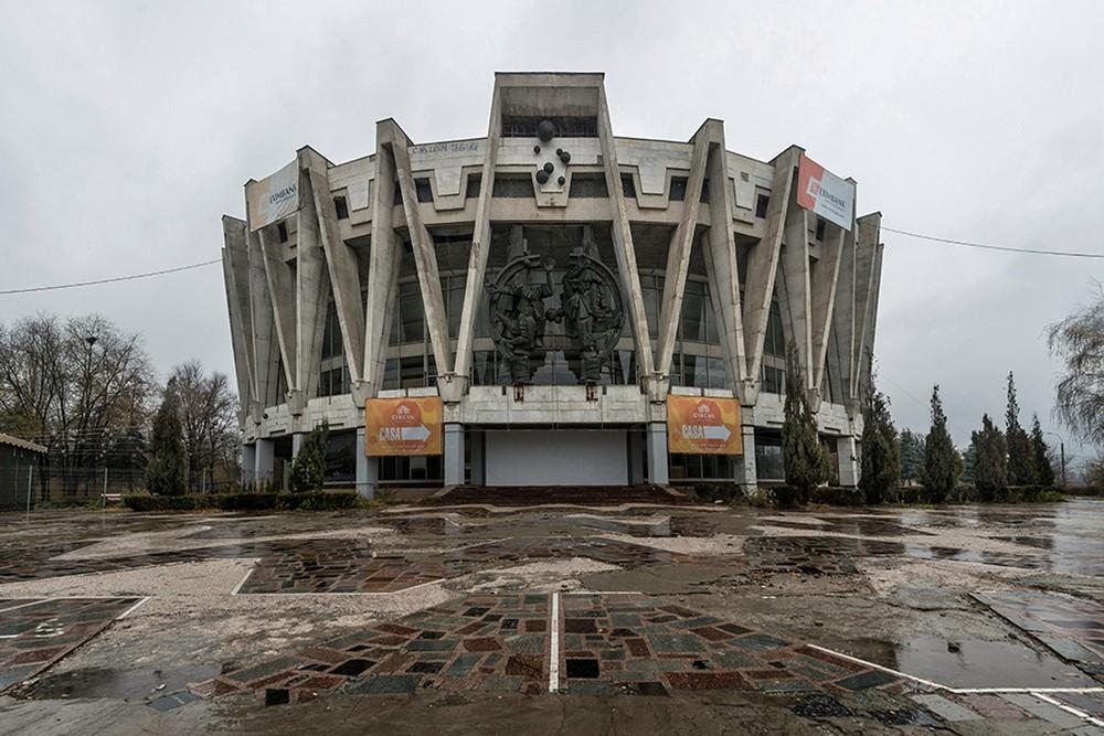 Заброшенный цирк в Кишиневе