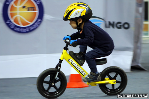 Беговел - почти велосипед для самых маленьких