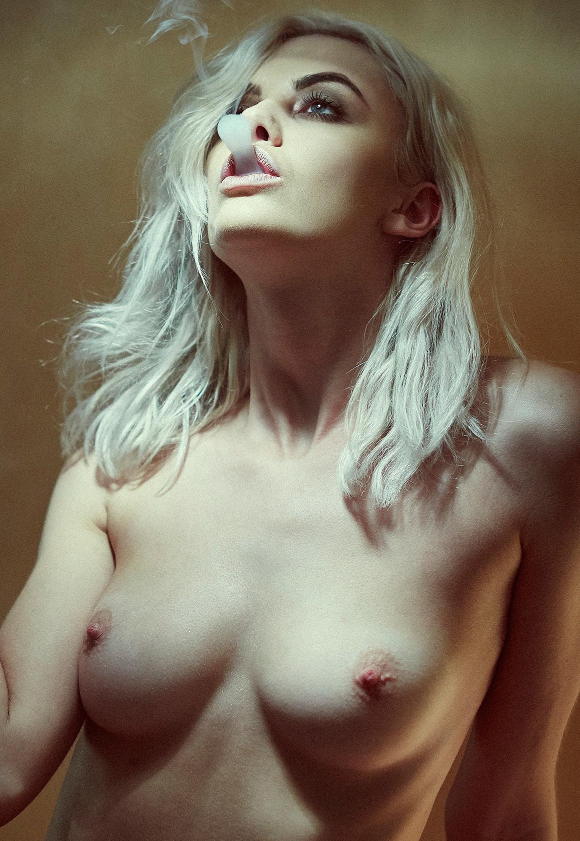 Красивые девушки Adam Flowers