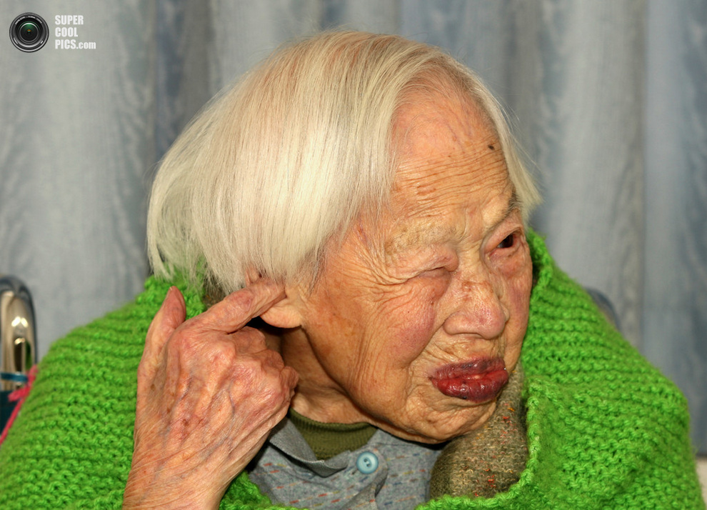 Слух подводит в 115 лет — немудрено.(Buddhika Weerasinghe/Getty Images)