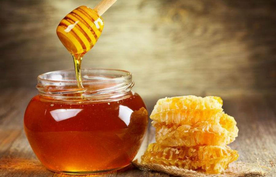 Мед Самый мощный афродизиак - это мед. Даже первый, самый романтичный, период совместной жизни молод