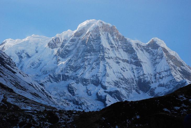 Название Аннапурна с санскрита переводится как «Богиня Плодородия». Покорили вершину впервые в 1950