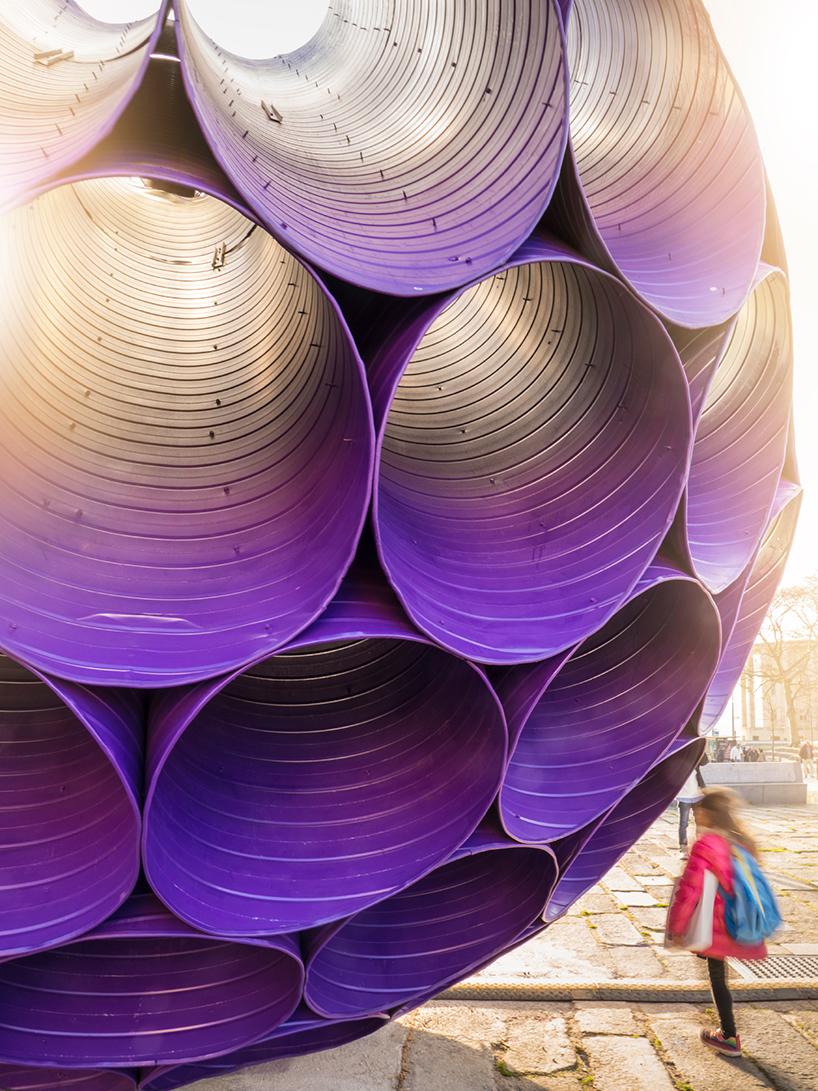 Необычная инсталляция в центре Порто