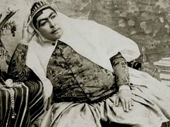4. Полнота — как главный критерий красоты. Известно, что фотографии Насер эд-Дин Шах печатал сам в д