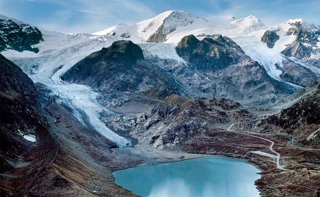 Ледник Штайн, Швейцария — 2015 Несмотря на то, что эти две фотографии были сделаны с разницей в девя