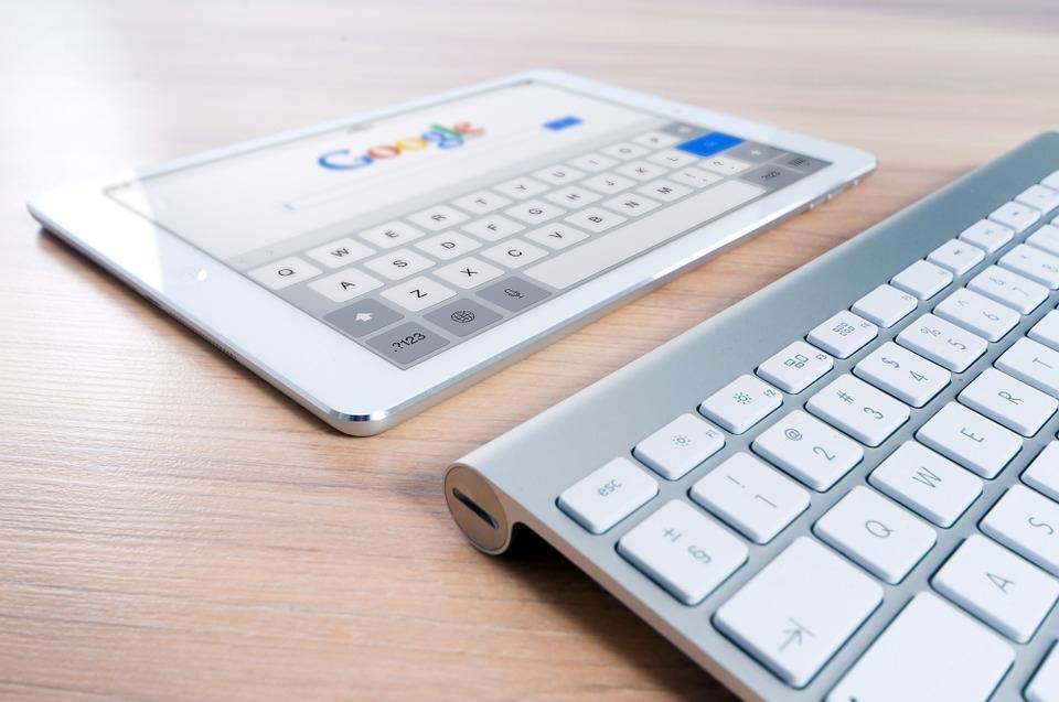 Google изменит метод поиска для противодействия фейковым новостям