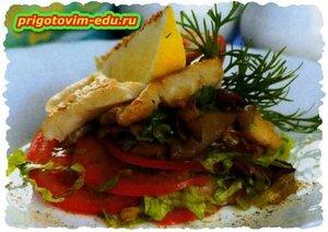 Салат с судаком и помидорами