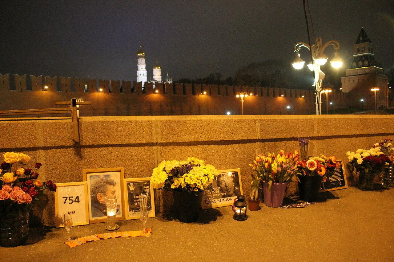 Немцов мост – 754 дня
