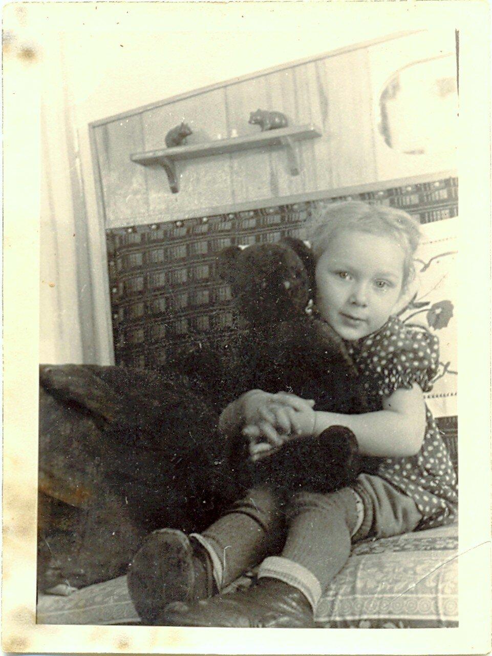 Юная Галя из Амвросиевки... Начало 60-х....jpg