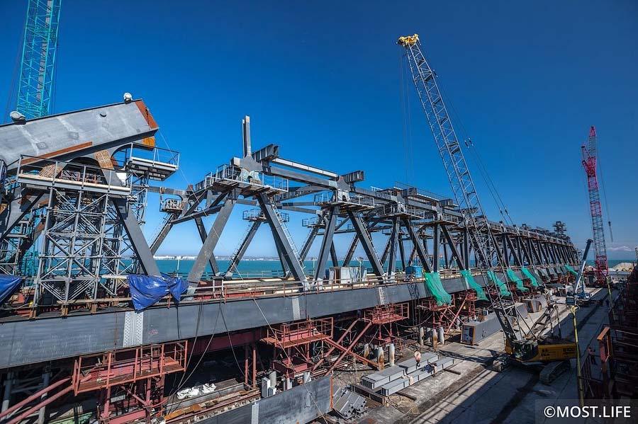 Крымский мост, май 2017