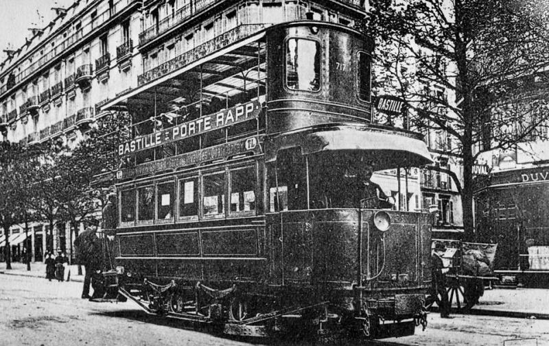 Трамвай конструкции инженера Пюрри на парижской улице..jpg
